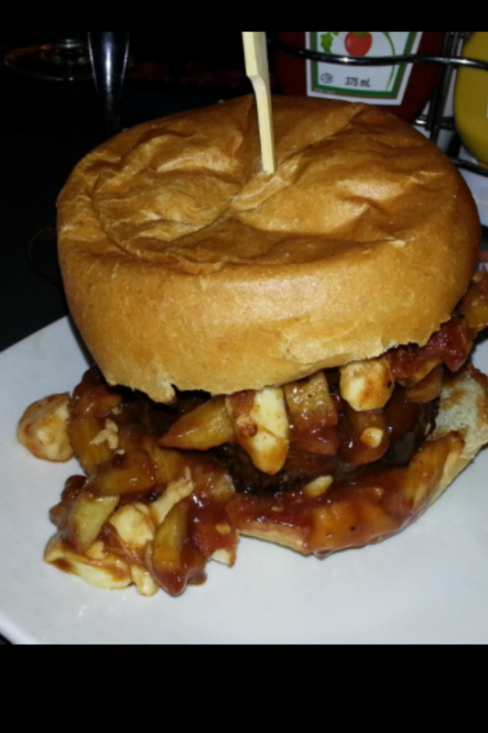 Poutine Burger - Pizza and Burgers